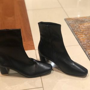 Shoes - Black Booties ✨
